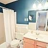 2727102.Bathroom