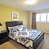 2727102.Bedroom
